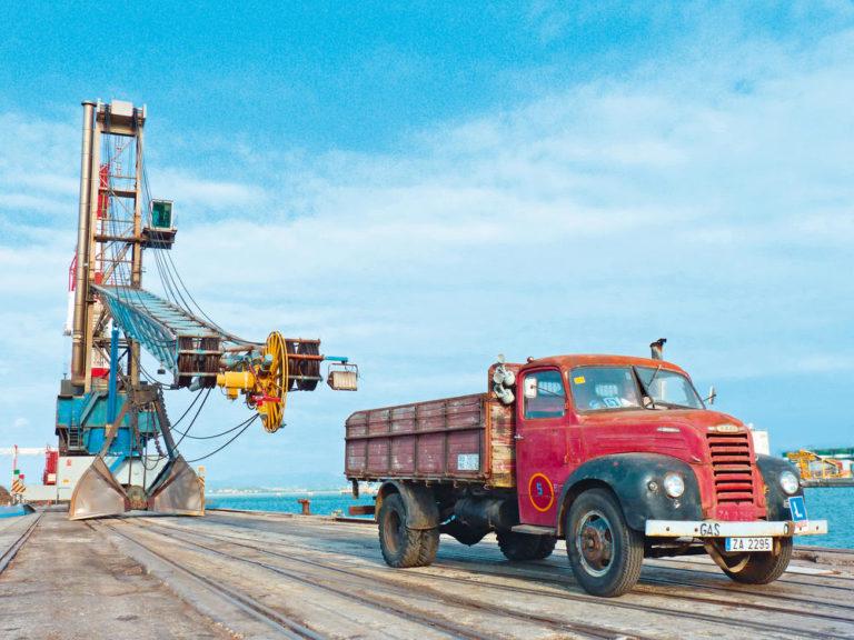 Scania 144 y Ebro B45
