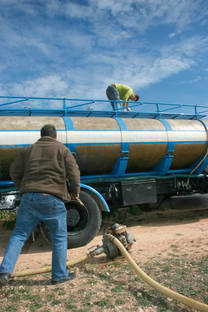 Cubas de agua para llenar piscinas trendy com anuncios de for Cubas de agua para llenar piscinas