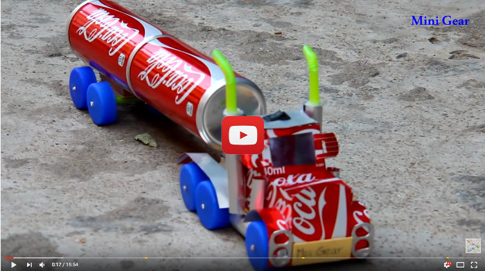 Artesanía E Ingenio Para Confeccionar El Camión De La Coca Cola