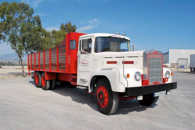 Leyland Buffalo de Transportes Papa Ali