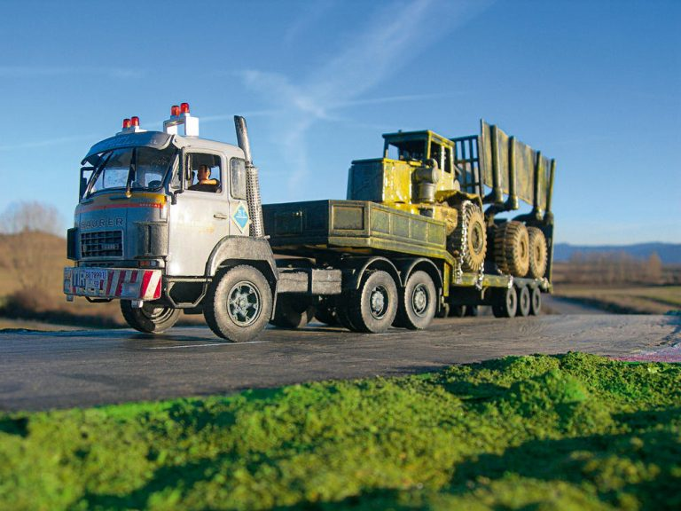 Saurer D330 Góndola; dos escalas, dos camiones, un conjunto