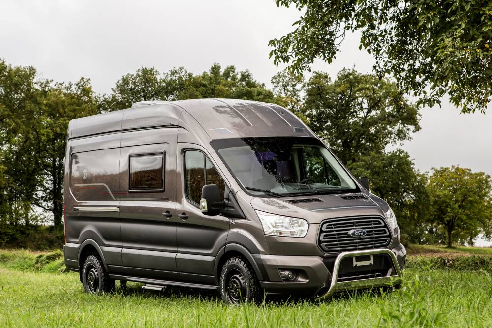 llega la autocaravana ford transit randger. Black Bedroom Furniture Sets. Home Design Ideas