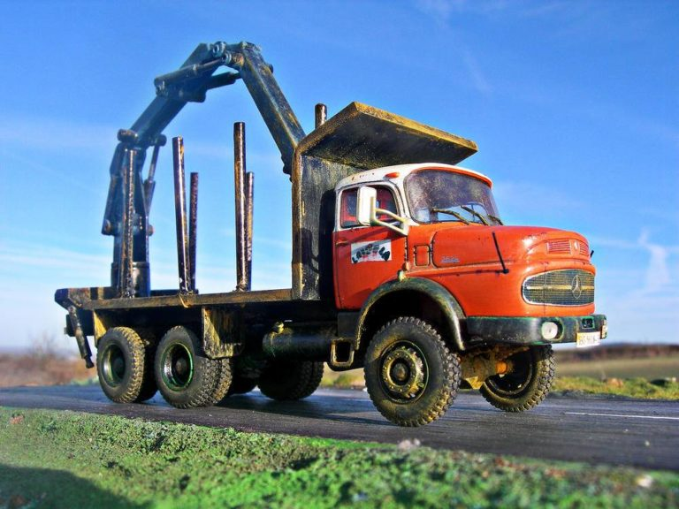 Mercedes-Benz forestal, un rudo 6×6 en el bosque