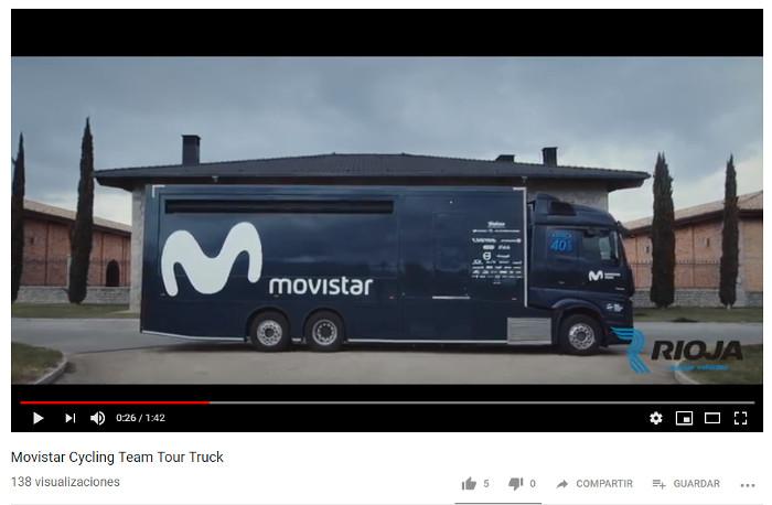 Subimos al camión del equipo de ciclismo Movistar