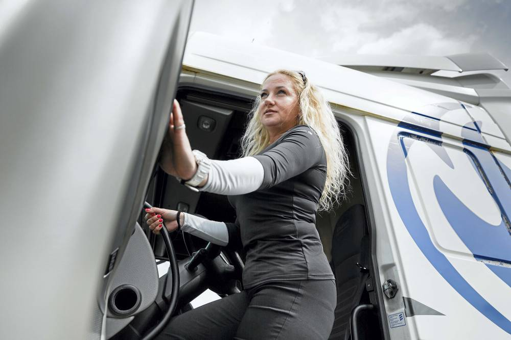 Camionera Emi Marinova