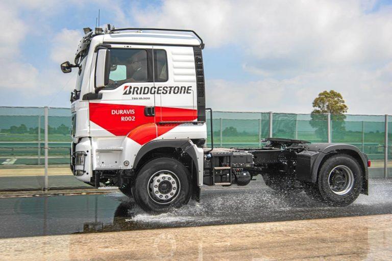 Bridgestone Duravis R002