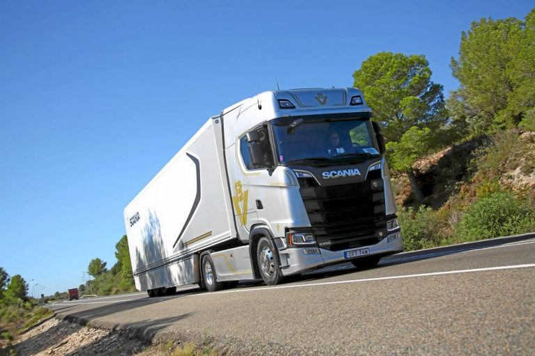 Scania te ayuda a poner a punto tu camión frente a las altas temperaturas veraniegas