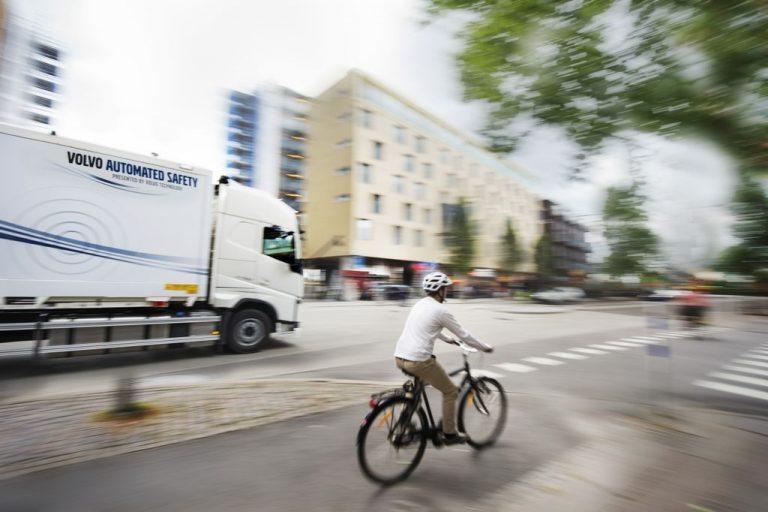 Austria prohibirá a los camiones girar a la derecha
