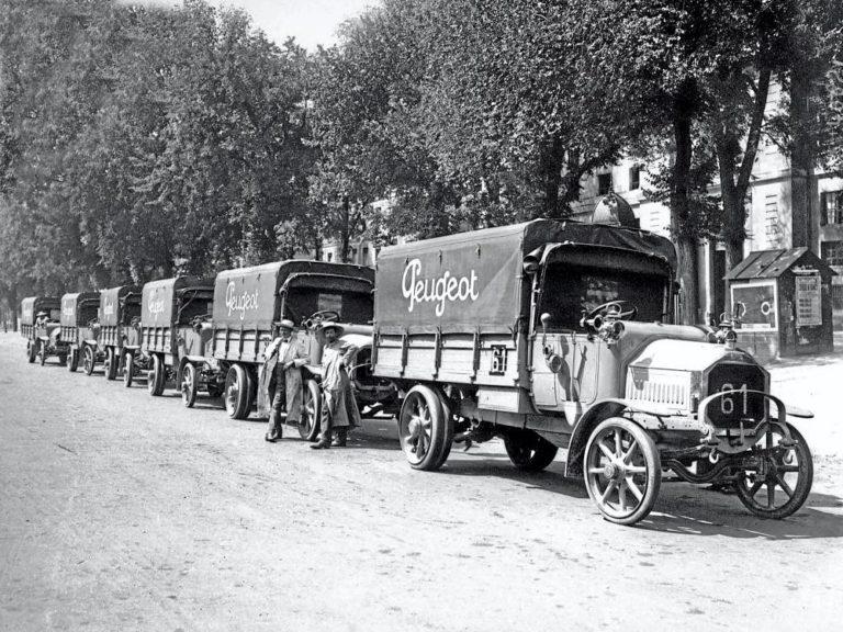 Los vehículos comerciales de Peugeot, más de 125 años de historia