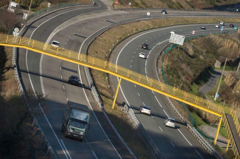 Los transportistas gallegos molestos por la vigencia de la concesión en la AP-9
