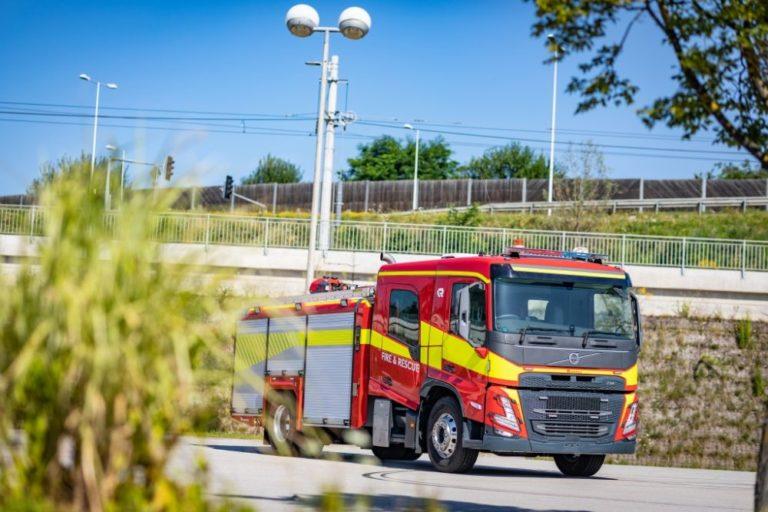 Llegan los Volvo FM y FMX con cabina de tripulación para vehículos de emergencia